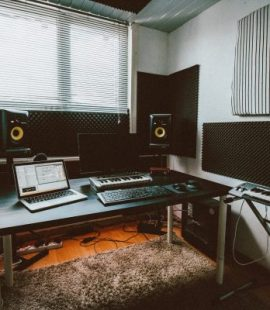 home studio where unlimited lease beats are made